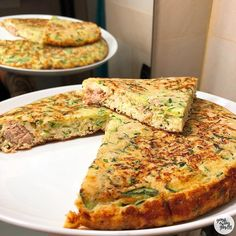 Tortilla de calabacín y atún The best fitness recipes and the best healthy cooking you will find here. Today a delicious omelette with zucchini and . Healthy Breakfast Recipes, Healthy Cooking, Healthy Dinner Recipes, Cooking Recipes, Eating Healthy, Clean Eating, Quiches, Healthy Food To Lose Weight, Food Videos