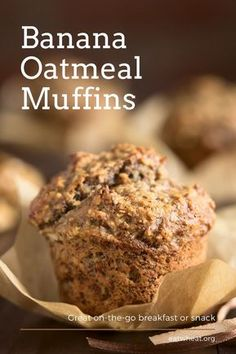 Banana Oatmeal Muffins are a delicious, healthy snack the whole family will enjoy! Healthy Sweet Snacks, Healthy Muffin Recipes, Healthy Meals For Two, Gourmet Recipes, Banana Recipes, Healthy Sweets, Eat Healthy, Easy Recipes, Banana Oatmeal Muffins