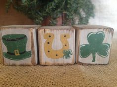 Prim St Patrick's Day Shamrock Horseshoe Top Hat Shelf Sitter Wood Cube Blocks #St. Patrick's Day #DoughandSplinters