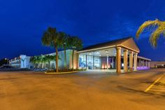 Clarion Inn Tampa - Brandon Tampa (Florida) Located in Tampa, Florida, this hotel is within 8 minutes' drive of both Hard Rock Casino and Florida State Fair Grounds. An outdoor pool and a free continental breakfast are provided.