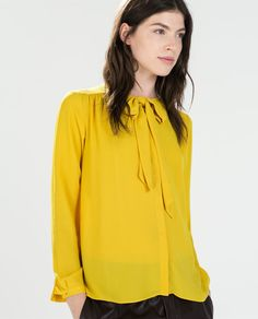 Image 1 of BLOUSE WITH BOW COLLAR from Zara