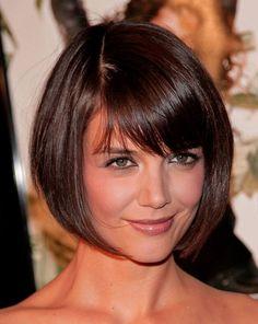 coupe courte femme visage carré- carré avec frange longue