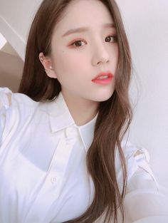Fashion, wallpapers, quotes, celebrities and so much Kpop Girl Groups, Korean Girl Groups, Kpop Girls, Sooyoung, Eye Circles, Olivia Hye, These Girls, Pop Group, South Korean Girls