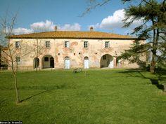 Etruria Travels | Siena | Tenuta La Fratta | San Filippo. Een ruim twaalf persoonshuis op een groot landgoed in de provincie Siena.