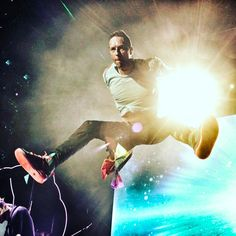"222.1k Likes, 1,020 Comments - Coldplay (@coldplay) on Instagram: ""Airborne.... R42. #ColdplaySingapore #AHFODTour"""