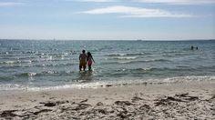 Bellevue Strandpark ligger ved forstaden Risskov cirka 4 km nord for Aarhus centrum. Dette er stranden til dig med de sarte fødder; Her er en dejlig sandstrand med meget fint sand og meget få sten i vandet.