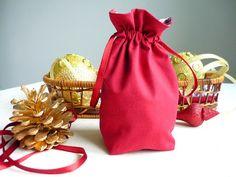 Сундучок с Марусиным приданым: МК Как сшить мешочек на подкладке
