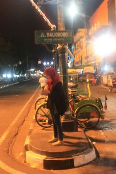 """See 4241 photos and 981 tips from 68673 visitors to Malioboro. """"Malioboro is a major shopping street in Yogyakarta, Indonesia; Quotes Rindu, Shopping Street, Quote Backgrounds, Yogyakarta, Me As A Girlfriend, Street Photography, Scenery, Niqab, Collections"""