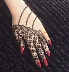 131 Simple Arabic Mehndi Designs That Will Blow Your Mind! Indian Henna Designs, Henna Tattoo Designs Simple, Mehndi Designs Book, Full Hand Mehndi Designs, Stylish Mehndi Designs, Mehndi Design Pictures, Mehndi Designs For Girls, Mehndi Designs For Beginners, Wedding Mehndi Designs
