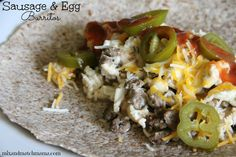 Mix and Match Mama /// Sausage and Egg burritos Make Ahead Breakfast Burritos, Sausage Breakfast, Best Breakfast, Breakfast Bites, Delicious Breakfast Recipes, Brunch Recipes, Vegetarian Breakfast, Yummy Recipes, Tex Mex Essen