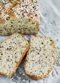Chleb keto z formy - keto pieczywo - zdrowe odżywianie - lchfdieta.pl Bread Recipes, Diet Recipes, Healthy Recipes, Keto Bread, Lchf, Bakery, Paleo, Cooking, Desserts