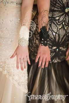 Ideas For Art Deco Fashion Style Gatsby Wedding Dresses Great Gatsby Theme, Gatsby Themed Party, Great Gatsby Wedding, 1920s Wedding, Art Deco Wedding, Great Gatsby Style, Wedding White, White Corsage, Roaring 20s Party