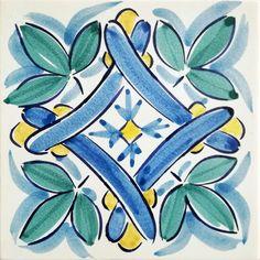 Mattonella decorata Pottery Painting, Ceramic Painting, Motif Arabesque, Cerámica Ideas, Arte Tribal, Art Populaire, Tile Crafts, Italian Pottery, Decoupage Vintage