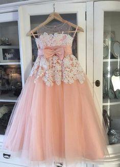 Flower girl dress,Vintage Little Flower Girls Dresses Peach Sweetheart Sleeveless Lace Appliques Sheer Neckline First Communion Dresses Girls Party Gowns
