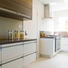 Cozinha planejada Branca de Marília Veiga - 86460 no Viva Decora