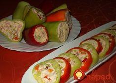Jedná sa o veľmi chutné a rýchle jedlo, ktoré navyše aj skvele vyzerá. Vyskúšajte plnenú papriku so syrovo-vaječnou zmesou a šunkou.