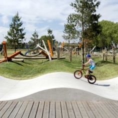 A map of the best contemporary landscape architecture projects from around the world. Park Landscape, Landscape Architecture, Landscape Design, Public Space Design, Playground Design, Urban Park, Urban Furniture, Kid Spaces, Urban Design