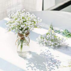 Wedding Arrangements, Wedding Table Centerpieces, Floral Arrangements, White Flower Centerpieces, Mason Jar Flower Arrangements, Decor Wedding, Cheap Centerpiece Ideas, Wedding Ideas, Wedding Reception