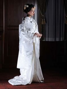 bridal kimono 白無垢 千羽鶴流水