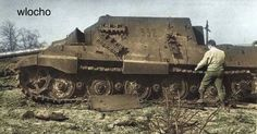 Jagdtiger nr. 332 has drawn the interest of this American GI