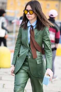 Suits: The new Streetstyle-Trend. Natasha Goldenberg wearing a green leather-suit