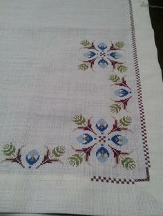 This Pin was discovered by Neş Cross Stitch Borders, Cross Stitch Charts, Cross Stitching, Cross Stitch Patterns, Palestinian Embroidery, Crochet Bedspread, Swedish Weaving, Bargello, Embroidery Stitches