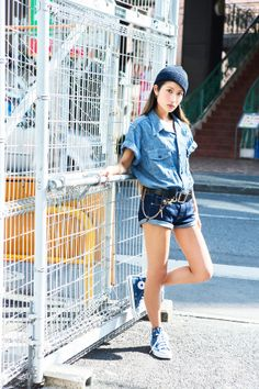 Denim Crush バイヤーのMihoはGapのショートパンツにシャツ&スニーカーを合わせて、オールデニムスタイルを満喫♪