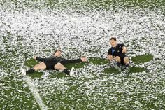 Cory Jane and Israel Dagg making confetti angels. So cute!