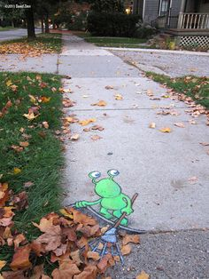 Chalk-drawn Adventures of Sluggo by David Zinn | Bored Panda
