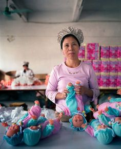Chinese Factory Workers & the Toys They Make - Imgur - Michael Wolf