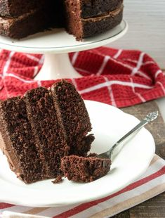 The post Delicious Chocolate Cake Recipe appeared first on We're Bright At Home. Amazing Chocolate Cake Recipe, Decadent Chocolate Cake, Delicious Chocolate, Homemade Chocolate, Chocolate Desserts, Delicious Desserts, Sweet Desserts, Sweet Recipes, Frosting Recipes
