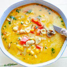 Zupa z kurczakiem, pieczarkami i makaronem Soup Recipes, Keto Recipes, Dinner Recipes, Toscana Recipe, Light Soups, Yummy Mummy, Keto Snacks, Love Food, Breakfast Recipes
