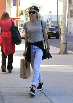 Emma Roberts Shopping in LA, 12/02/15