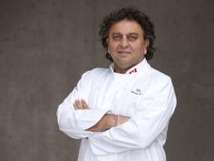 An interview conducted of the famous Canadian Chef Vikram Vij, where he unveiled his plans to export ready-made nosh in India. Chef Vikram Vij is basically from Prawn Curry, Recipe Sites, Recipe Recipe, Sustainable Food, Frozen Meals, Middle Eastern Recipes, Chef Recipes, Surrey, Quick Meals