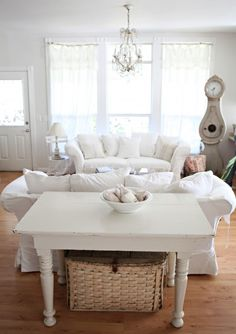 oh how i love white couches