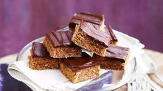 Craving a chewy, decadent treat with your next cuppa? Dive into these delicious coconut slice recipes - including chocolate coconut slice, raspberry coconut slice and hedgehog slice Raspberry Coconut Slice, Chocolate Coconut Slice, Dark Chocolate Recipes, Decadent Chocolate, Best Chocolate, Chocolate Lovers, Apple Recipes, Cake Recipes, Weekly Recipes