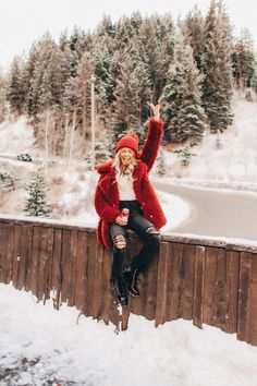 New Photography Poses Women Winter Snow Ideas Photography Poses Women, Winter Photography, Winter Fashion Outfits, Look Fashion, Fall Fashion, Womens Fashion, Fashion Trends, Casual Outfits, Casual Hair