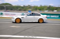 M3 Hooning on Airrex and Accuair suspension. - April 14, 2014 #carpornracing #carcustomization #partsdistributor #mfest #m3 #airrex #accuair #elevel #airsuspension #varex #hoonigan #hooningisnotacrime