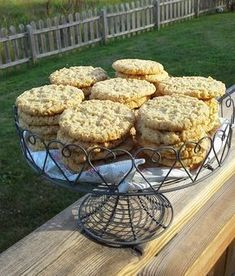 Så goda havrekakor! En av mina favoritkakor Bagan, Baking Recipes, Cookie Recipes, Bun Recipe, Swedish Recipes, Oatmeal Recipes, Fika, Oatmeal Cookies, No Bake Desserts