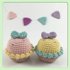 Little pastel party cupcakes! #crochet #craft #hobby #homedecor #pastel #cupcakes #frosting #bows #kawaii #kawaiicrafts #Padgram