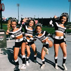 New Sport Photography Poses Friends Ideas Cheerleading Workouts, Cheerleading Photos, Cheerleading Cheers, Cheer Workouts, Cheer Stunts, Cheerleading Outfits, Cheer Dance, College Cheerleading, Cheer Picture Poses