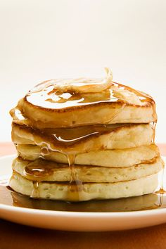 Fluffy Friday FlapJacks Recipe on Yummly. Breakfast Pancakes, What's For Breakfast, Pancakes And Waffles, Breakfast Dishes, Breakfast Recipes, Fluffy Pancakes, Fluffiest Pancakes, I Love Food, Good Food