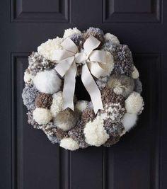 DIY Pom Pom Wreath Tutorial from Joann's Uses pompom maker; glue/t-pin pompoms to foam wreath Wreath Crafts, Diy Wreath, Holiday Crafts, Wreath Ideas, Wreath Burlap, Diy Advent Wreath, Yarn Wreaths, Tulle Wreath, Floral Wreaths