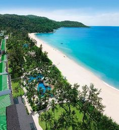 Phuket - Kata - Katathani Phuket Beach Resort - on the beach