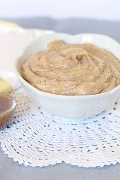 Soffice e vellutata, la crema alle nocciole viene preparata con una base di latte, zucchero, tuorli e pasta di nocciole; l'aggiunta di cioccolato bianco conferirà alla crema un sapore più delicato.