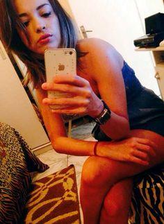 garota de programa VIP de Fortaleza mostra rosto bonito em selfie