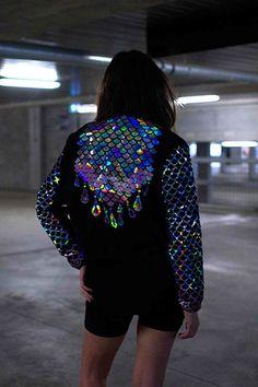 Hologram scales jacket #streetstyle