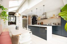 N4 Side Return Extensions Project | BuildTeam Kitchen Extension Side Return, Kitchen Diner Extension, Side Extension, Large Kitchen Island, Kitchen Island With Seating, Open Plan Kitchen Living Room, New Kitchen, Kitchen Dining, West London