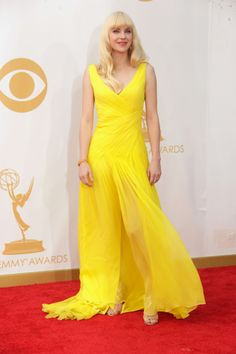 Elle's Fashion Boudoir : Anna Faris in Monique Lhuillier Resort 2014 - 2013 Emmy Awards Anna Faris, Monique Lhuillier, Dresses 2013, Formal Dresses, Boudoir, Elle Fashion, High Fashion, Mellow Yellow, Bright Yellow