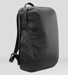 Nomin Pack Men's All the stealth, sophistication, and technical innovation of Veilance® is now redefined in a daily use backpack.